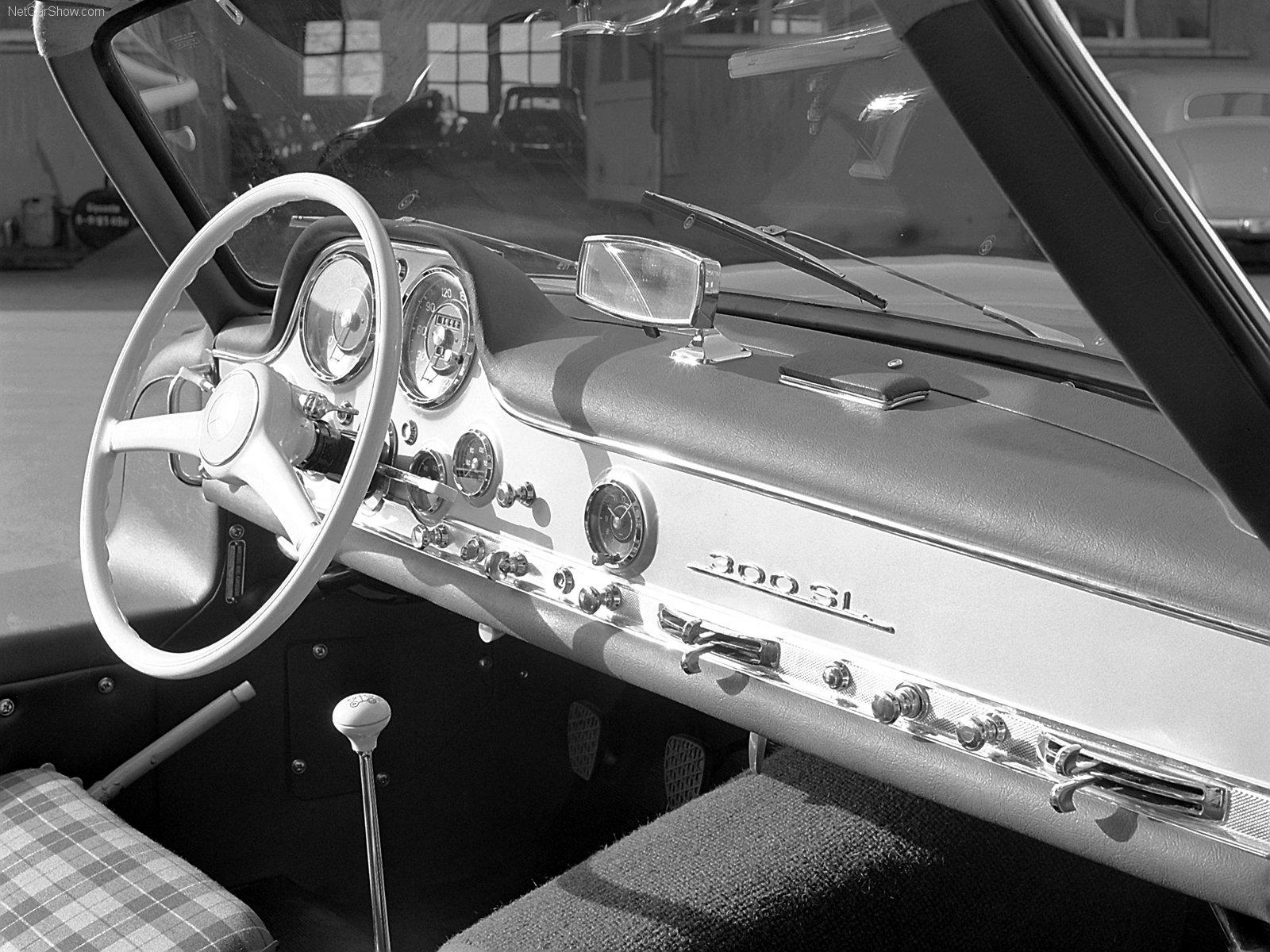 el Mercedes 220,