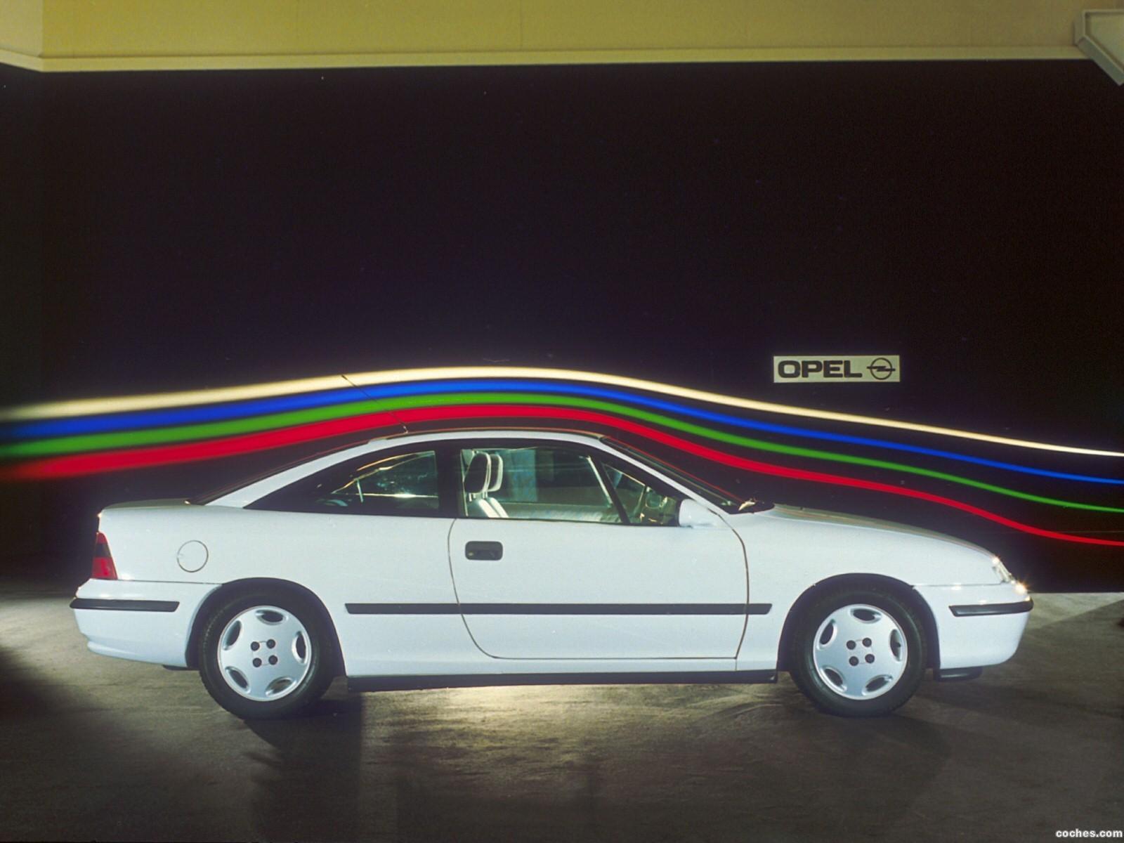 El Opel Calibra fue lanzado en